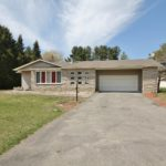 7111 Shields Dr – Country Living Only Minutes From Ottawa!