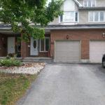 122 Hunters Glen Cr – Lovely Townhouse For Sale in Ottawa!